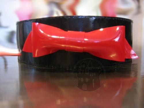 MACINGER - Latex Halsband mit Schleifchen
