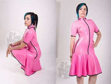 Latex Kleid mit rundem Ausschnitt und Kragen - MACINGER